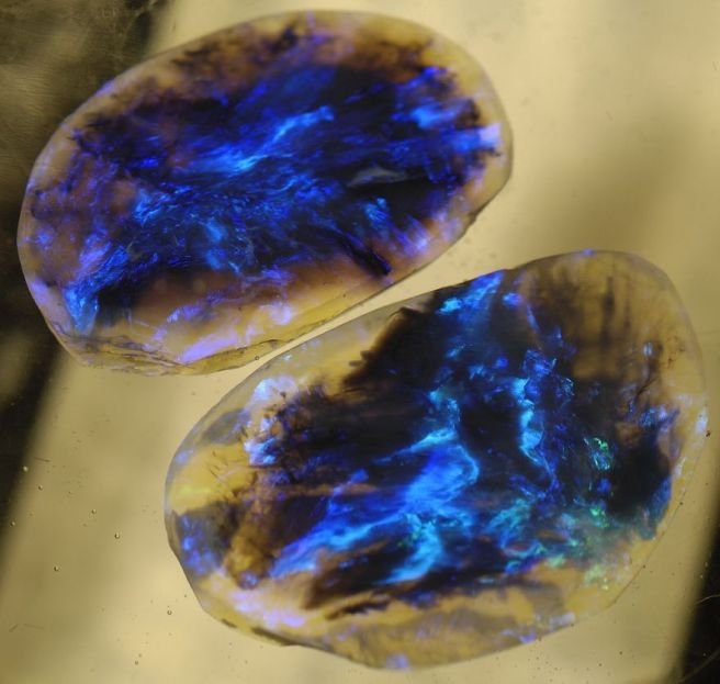 Lightning Ridge Black Opal