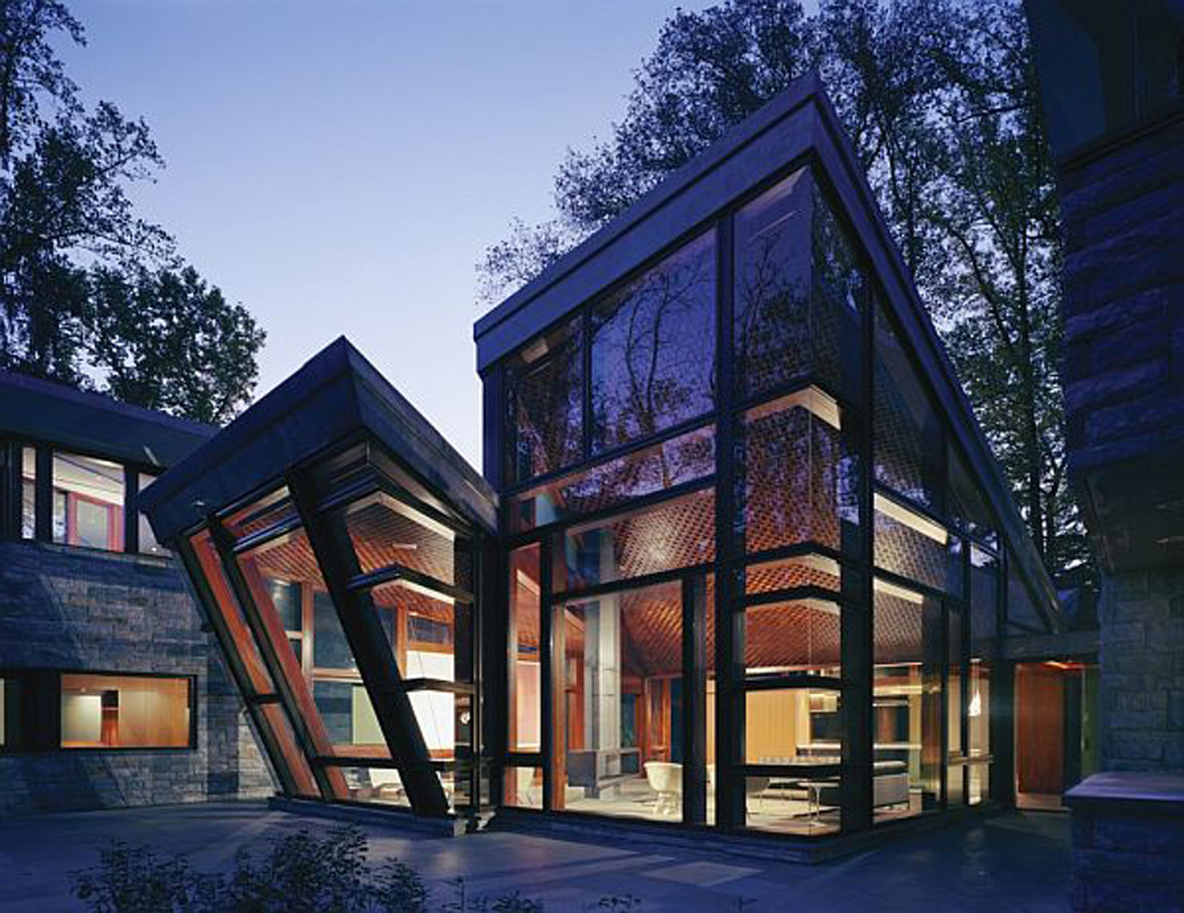 Sunday evening art gallery blog glass houses humoring for Modern glass home plans