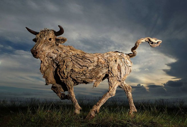 driftwood-animal-sculptures-jame-doran-webb-4