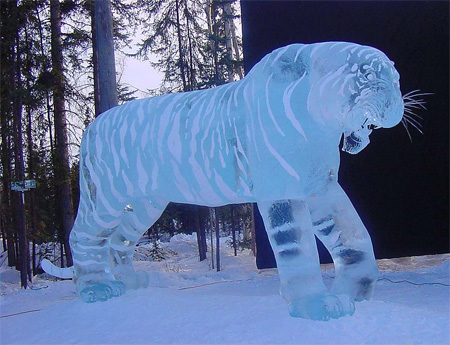 Wonderful-Creative-Ice-Sculptures-38