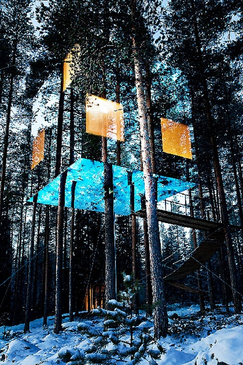Mirrorcube-Tree-House-Hotel