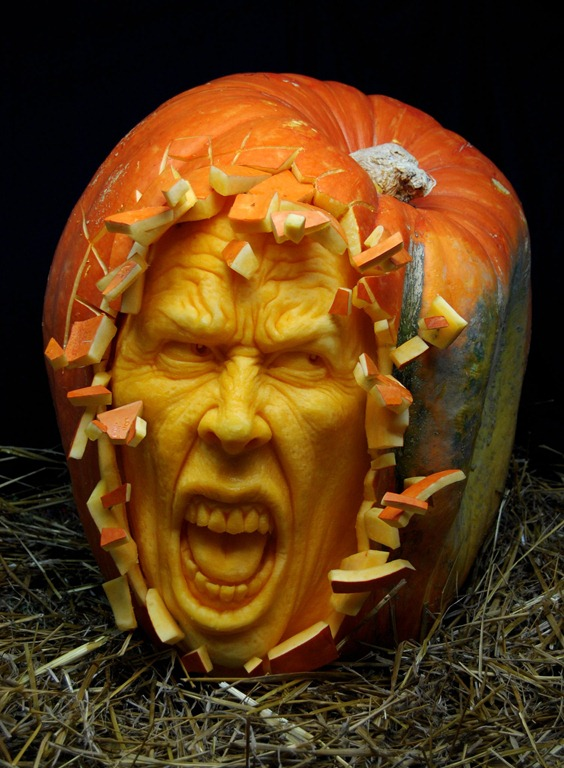 ray-villafane-pumpkin-carvings-24