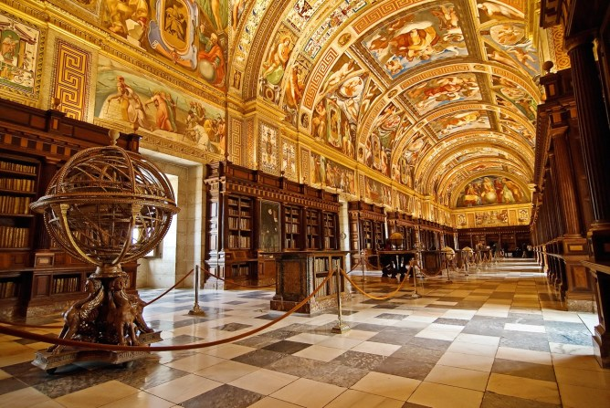 royal-monastery-library-of-san-lorenzo-de-el-escorial-spain